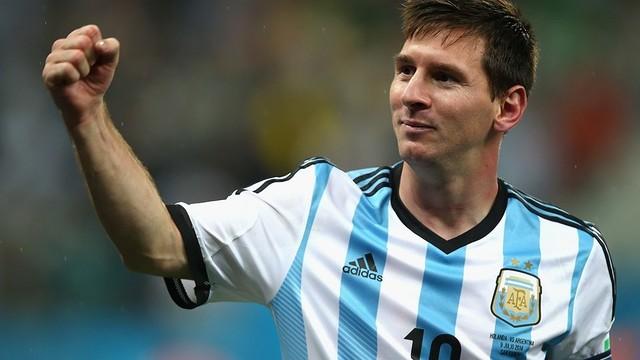 Argentina reanuda 'romance' con Messi