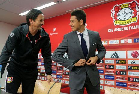 'No hay muchos como Chicharito': técnico del Bayer Leverkusen