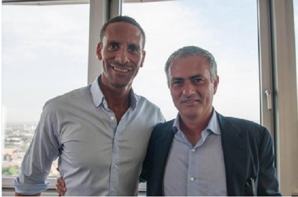 Rio Ferdinand anuncia a Jose Mourinho como el nuevo técnico del Manchester United