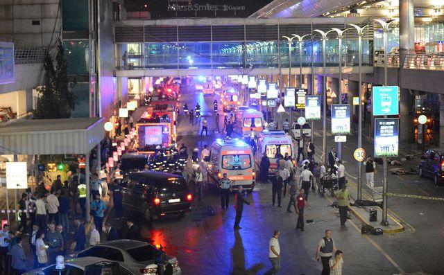 Diez muertos en un atentado en el aeropuerto Internacional de Estambul
