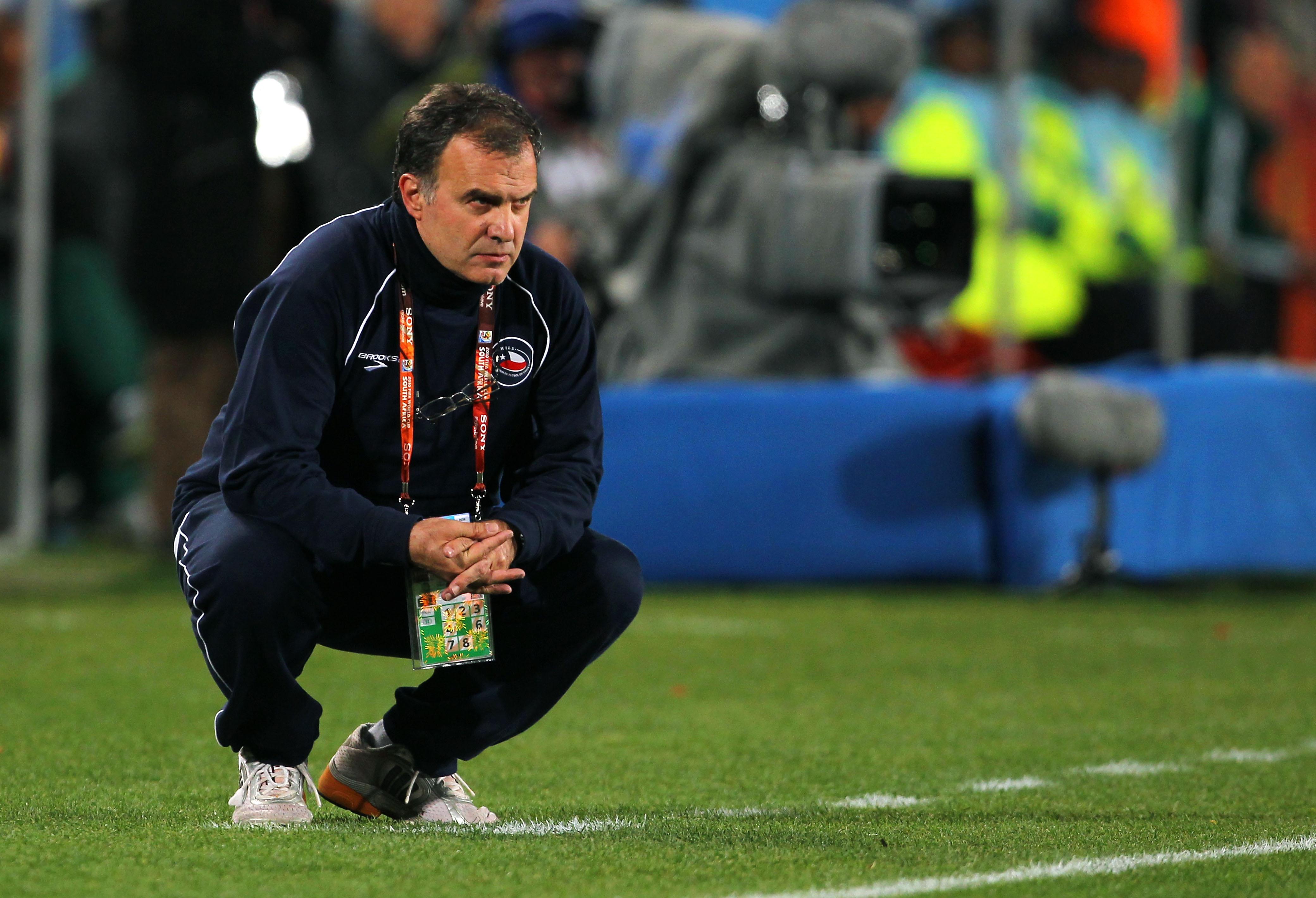 A menos de una semana como nuevo técnico, Bielsa renuncia a la Lazio y será demandado