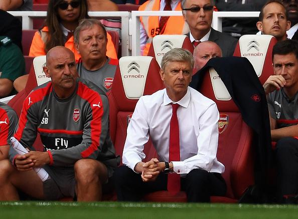 Empleado del Arsenal renuncia para que el equipo fiche más jugadores