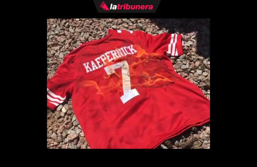Aficionados queman jerseys de Colin Kaepernick