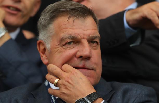 Destituyen al técnico de Inglaterra por 'transas'