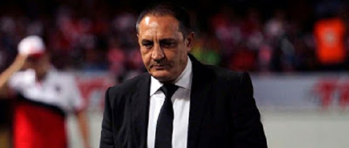 Jugadores se culpan, el técnico Pablo Marini renunció a los Tiburones Rojos