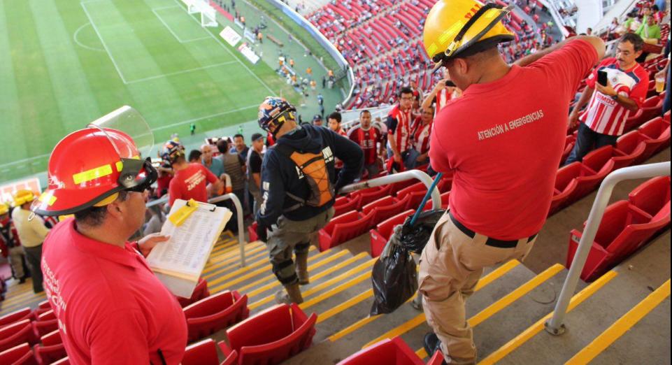 Capturan víbora cascabel dentro del Estadio Chivas
