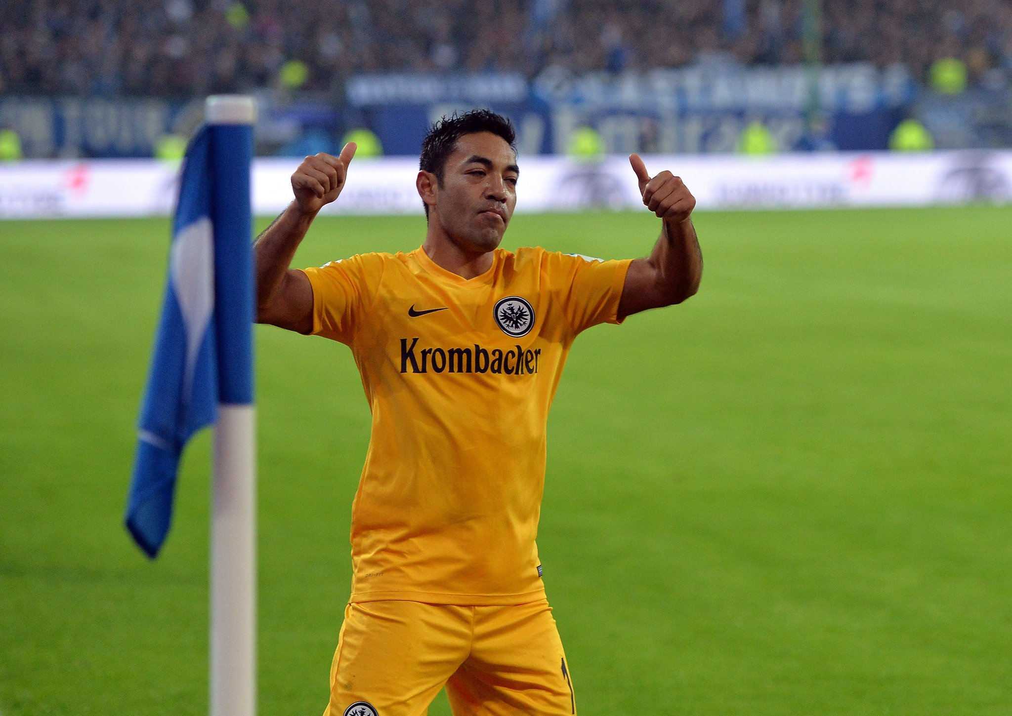 Marco Fabián se come la Bundesliga, ahora es el 'jefe' en la victoria del Eintracht (video)