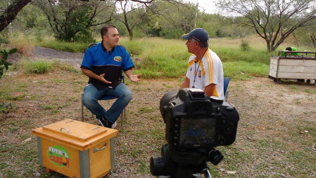 Tuca no está deacuerdo con los DTs que se «candidatean» para el TRI (video)