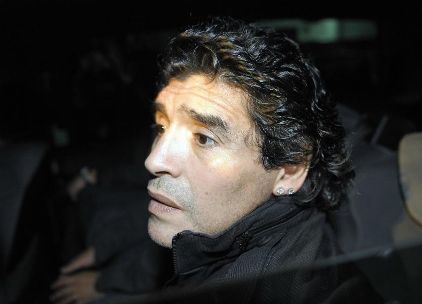'La Juve me cortejó como si fuera una mujer': Maradona