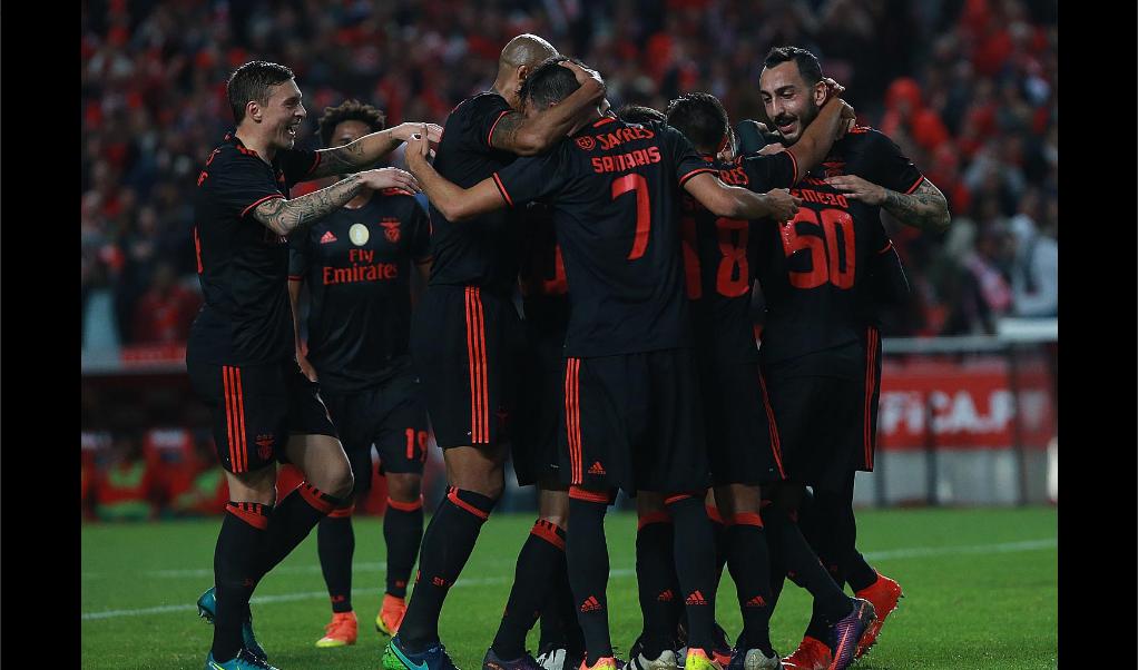 Regresó con el pie derecho… Raúl Jiménez volvió a anotar con el Benfica