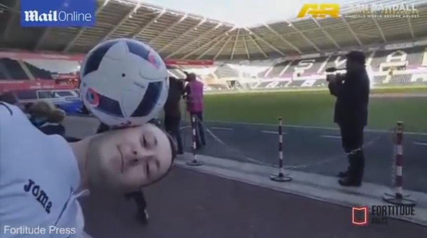 Mourinho se hace el chistoso y le arruina el truco a un Freestyle (video)