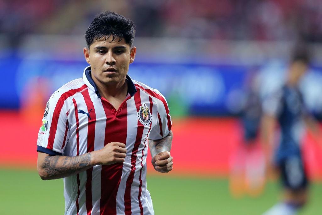 El gran gesto de Javier López con invasor de cancha en el Pachuca vs Guadalajara