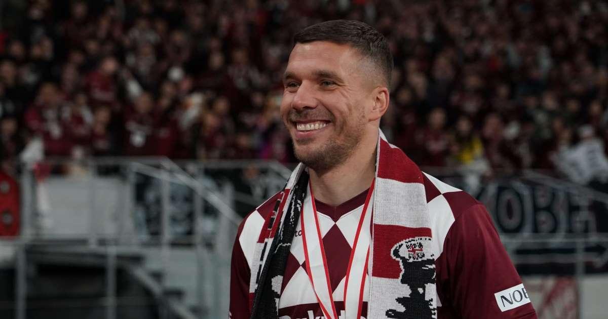 Rayados vuelve a la carga por Lukas Podolski
