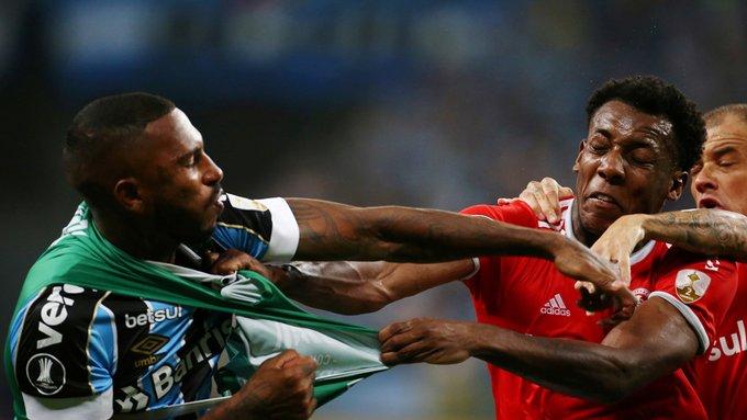 Trifulca en Copa Libertadores terminó con ocho expulsados