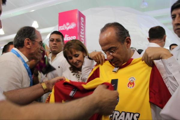 Felipe Calderón explotó contra la mudanza de Monarcas
