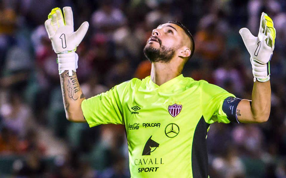 Yosgart Gutiérrez anunció su retiro como futbolista