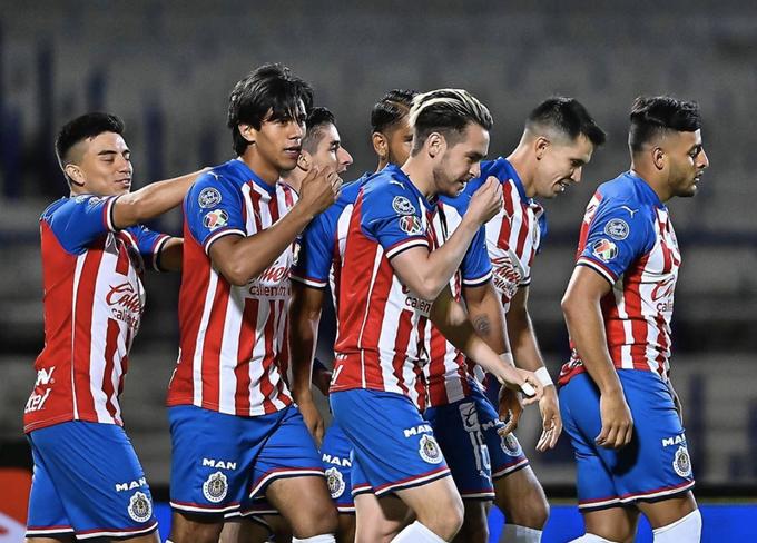 Chivas elimina al América en las semifinales de la Copa GNP por México tras vencerlos 4-3 (VIDEO)