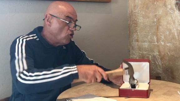 'Chelis' destrozó reloj fino 'por culpa' de Juan Carlos Osorio
