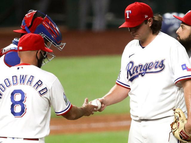 MLB anuncia suspensión para dos Rangers de Texas