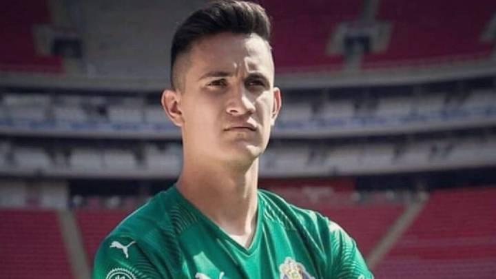Raúl Gudiño no descarta salir del Guadalajara