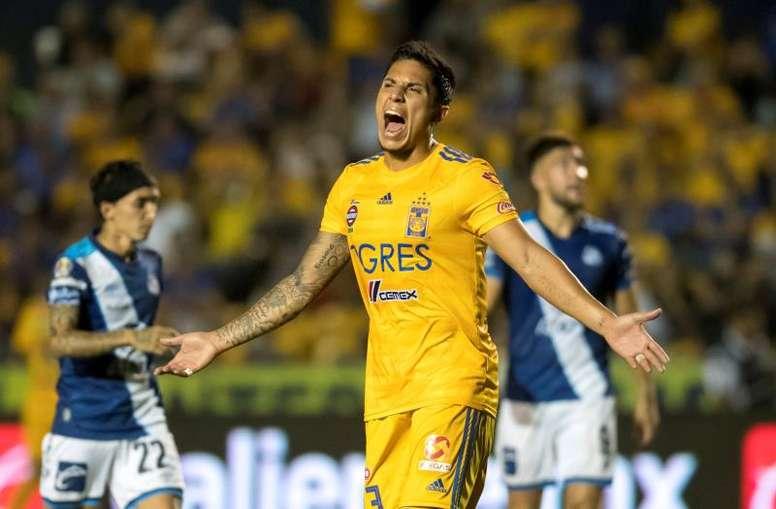 Carlos Salcedo insinúa inminente llegada al futbol europeo