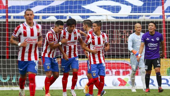 Las cuatro posiciones que Chivas buscaría reforzar para el Clausura 2021