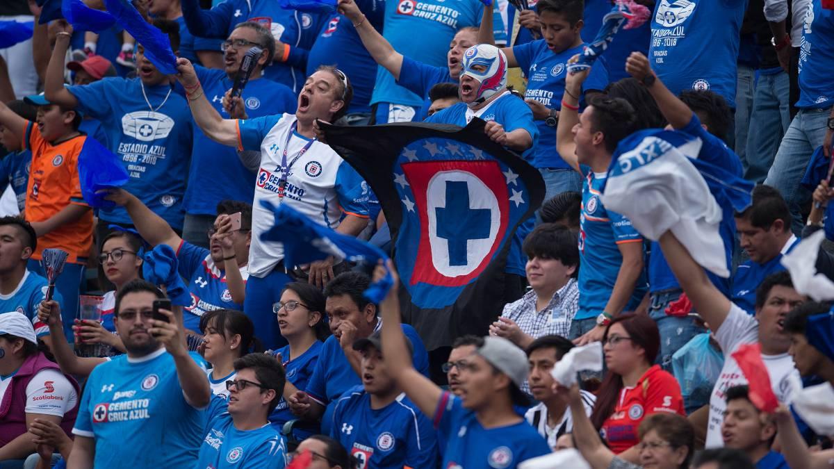 La reacción de aficionados de Cruz Azul tras ser remontados en semifinales ante Pumas