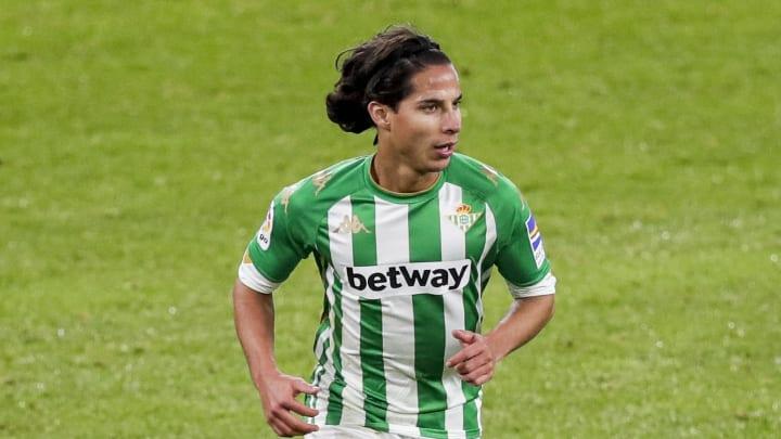 Elogian en España a Diego Lainez tras actuación ante el Sevilla