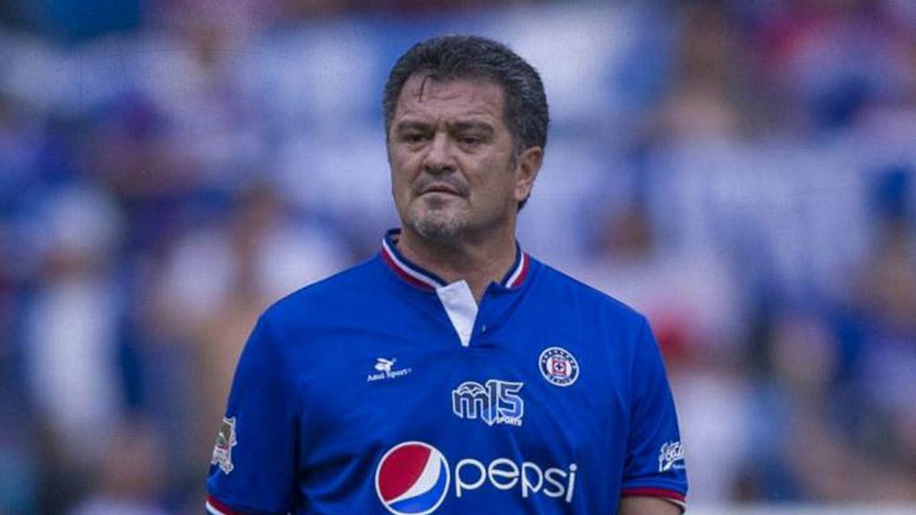 Carlos Hermosillo manda dardo a la directiva del Cruz Azul