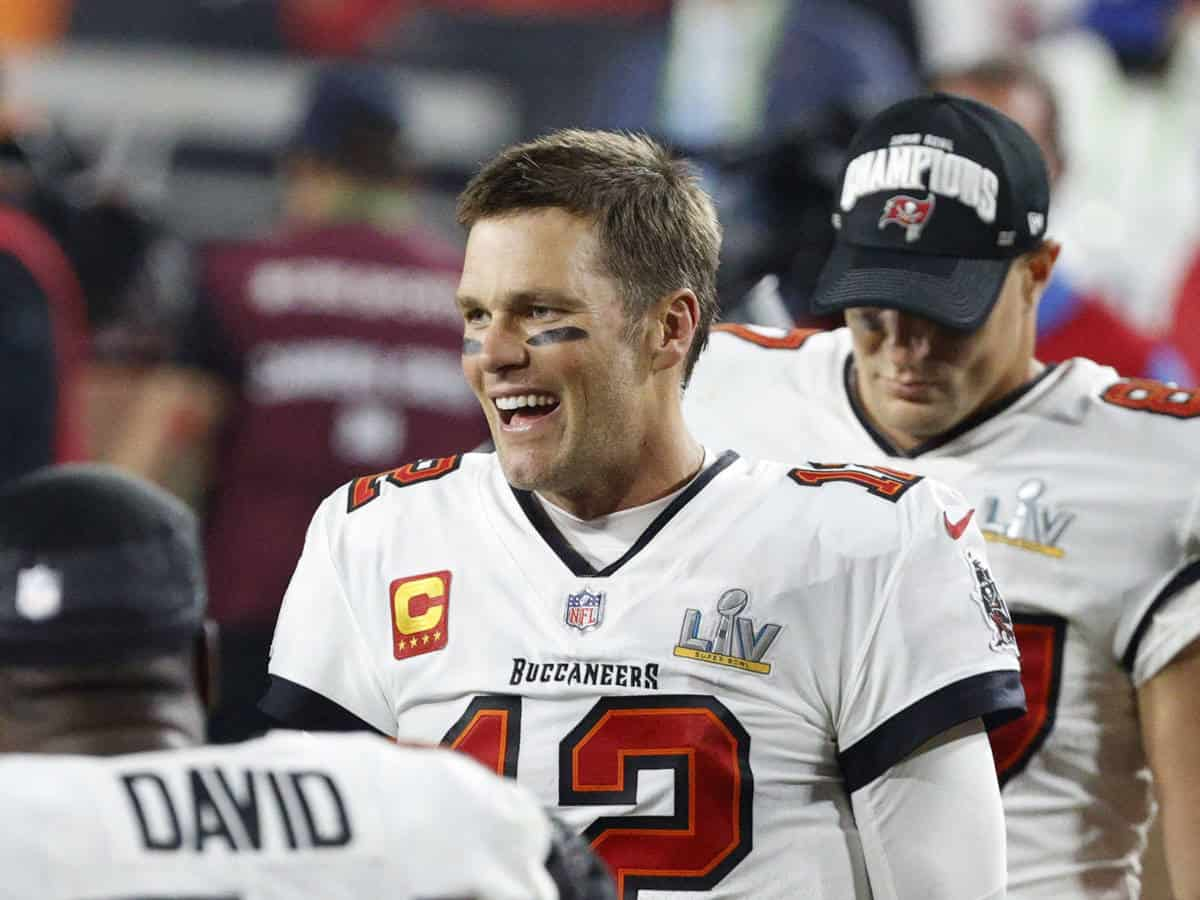 Tom Brady fue captado ebrio en desfile de Bucaneros