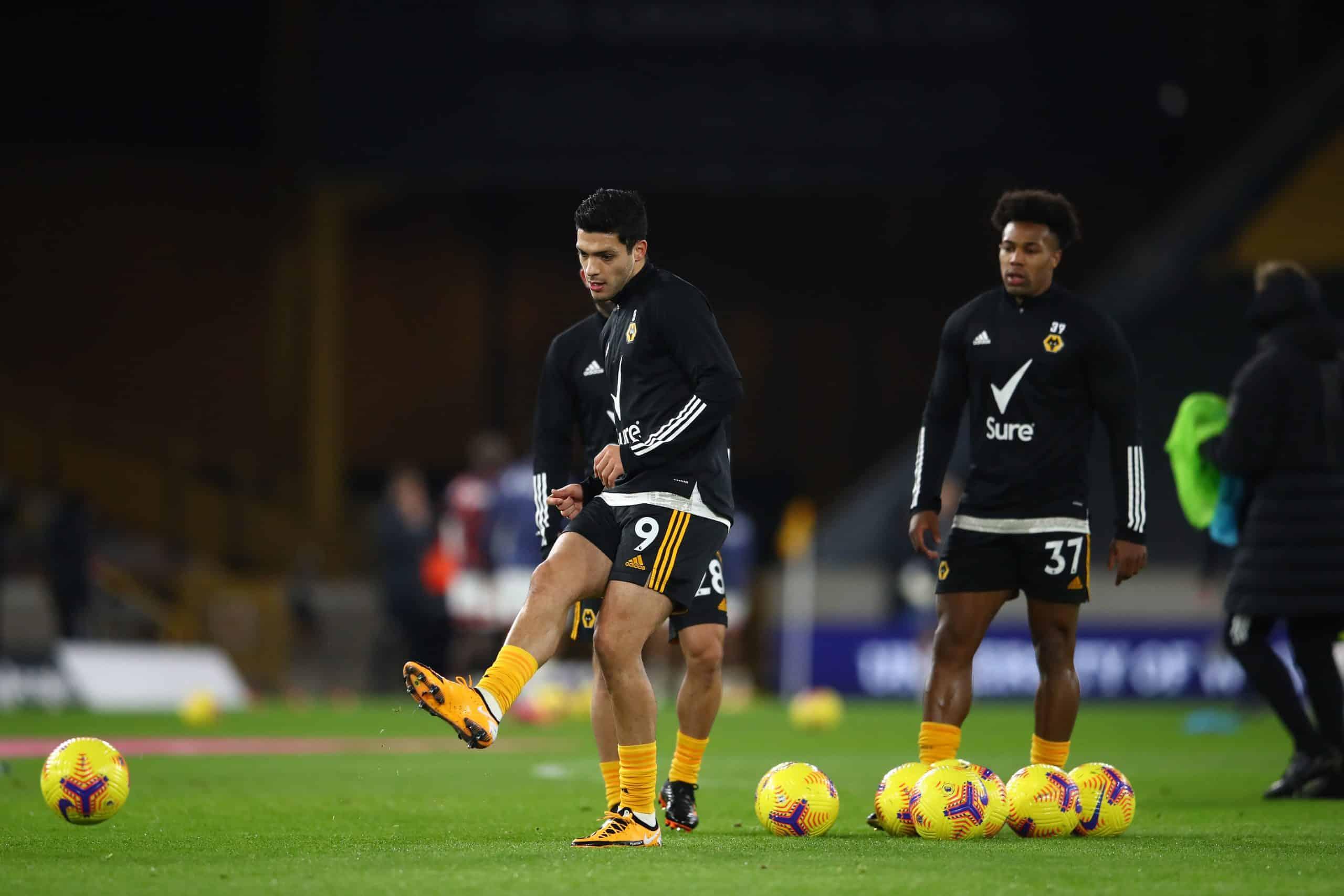 Entrenador del Wolverhampton aseguró que Raúl Jiménez podría volver a jugar en esta temporada