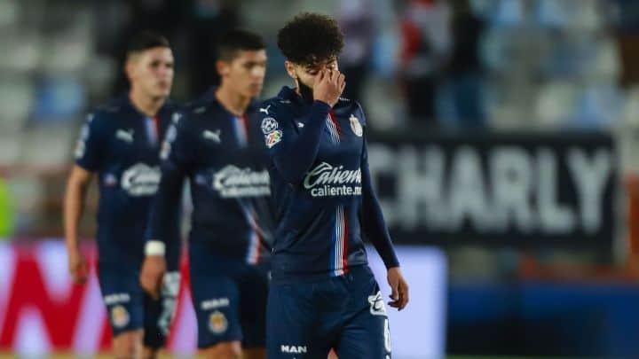 Chivas pone a 13 jugadores transferibles