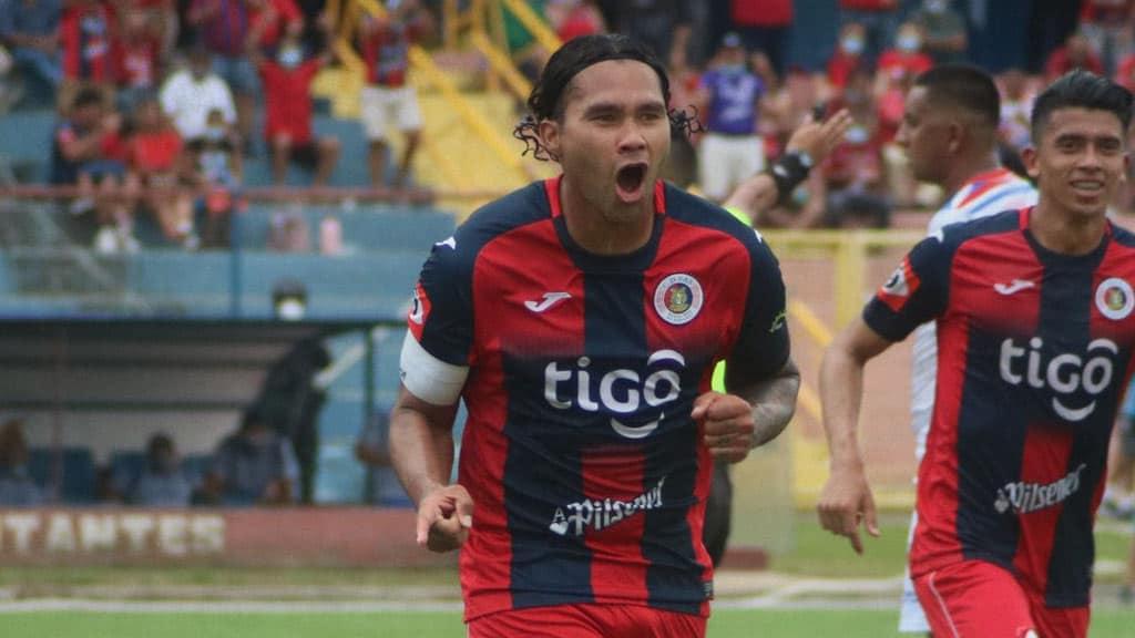 Técnico rival lanzó insulto a 'Gullit' Peña