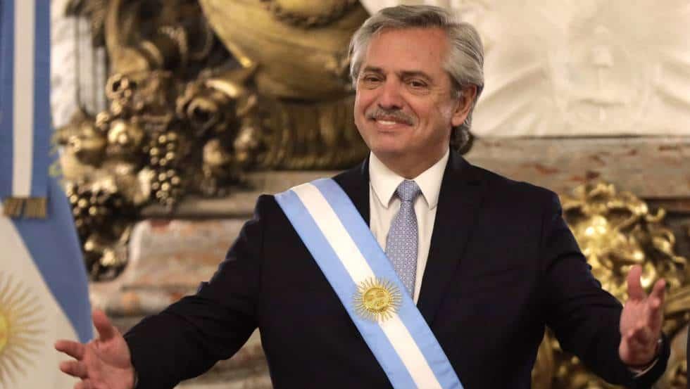'Mexicanos salieron de los indios': Presidente de Argentina