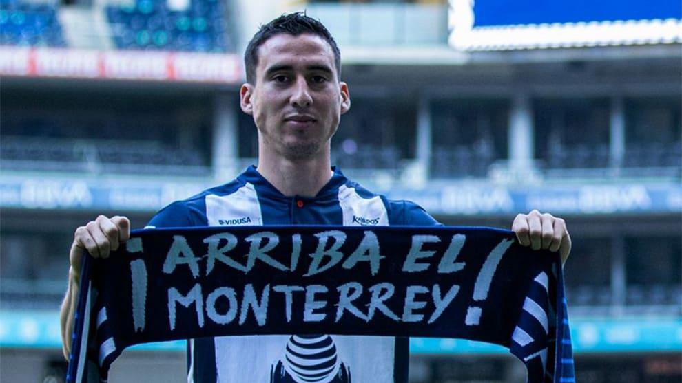 Adrián Mora sale del Monterrey