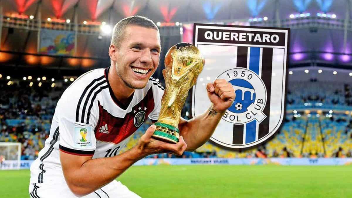 Podolski habría aceptado oferta de Querétaro