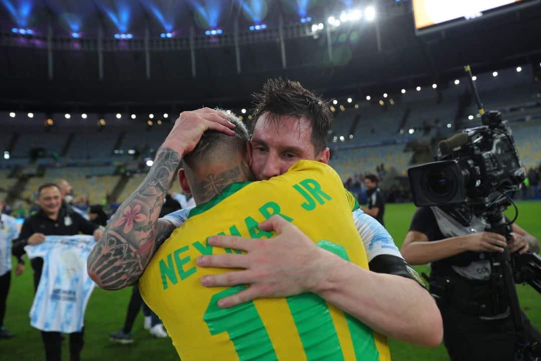 »El futbol te estaba esperando para este momento» el mensaje de Neymar a Messi tras campeonato de Copa América con Argentina