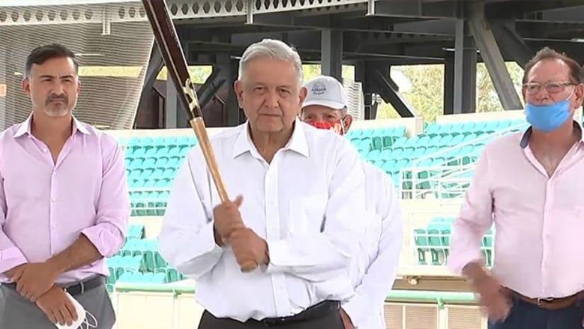 'Ponchan' a AMLO en el estadio de Sonora