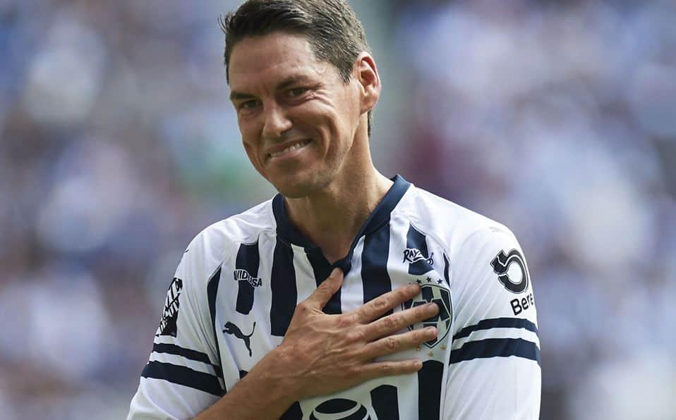 Guillermo Franco regresaría a Rayados