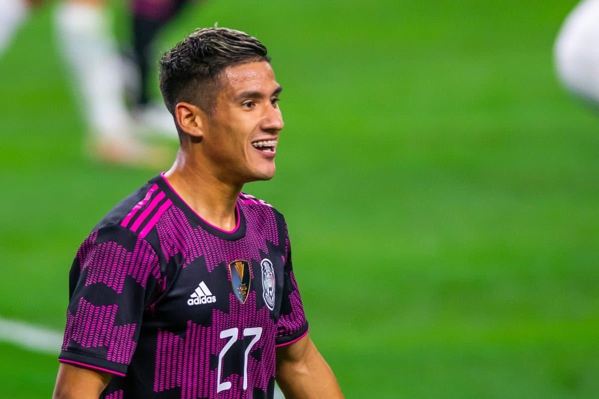 Nery Castillo aseguró que el Olympiacos está interesado en Uriel Antuna