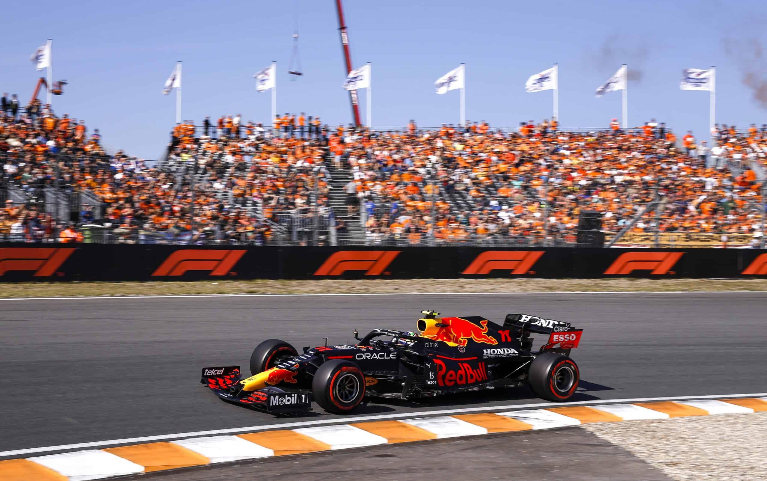 Designan a'Checo' Pérez Piloto del Día en F1
