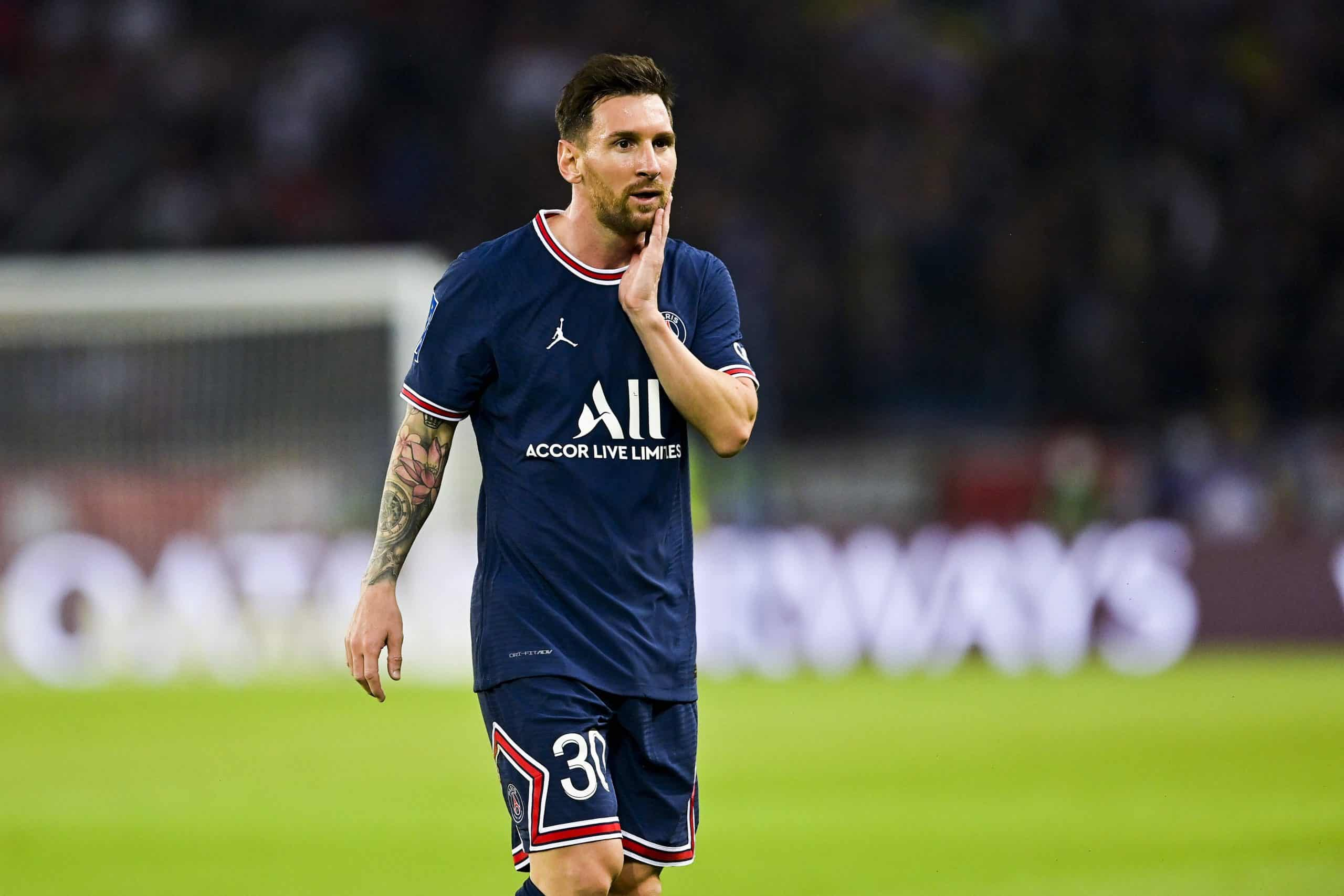 Messi se «marchita» en París según la prensa francesa
