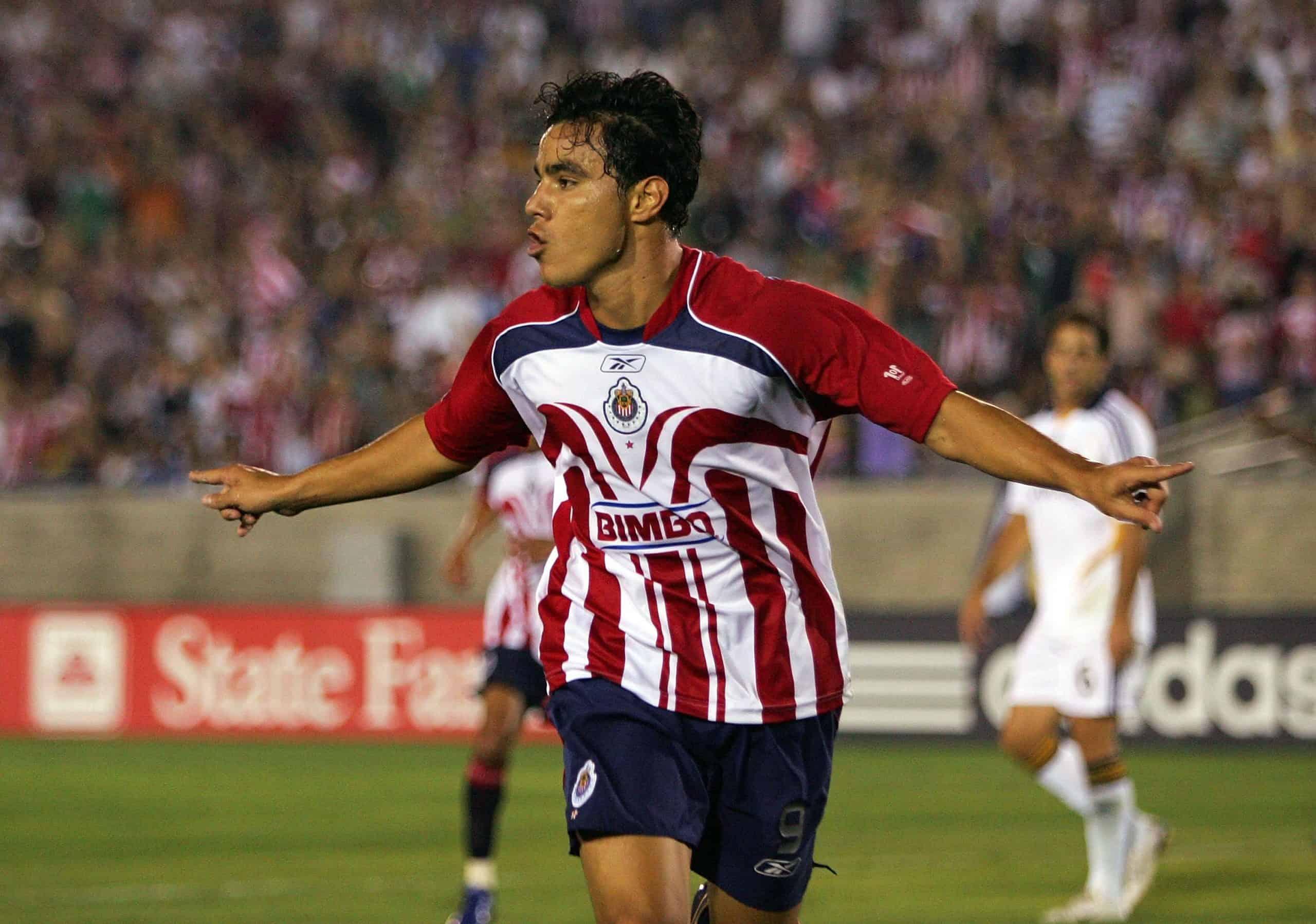 Omar Bravo volvería a Chivas como entrenador de delanteros