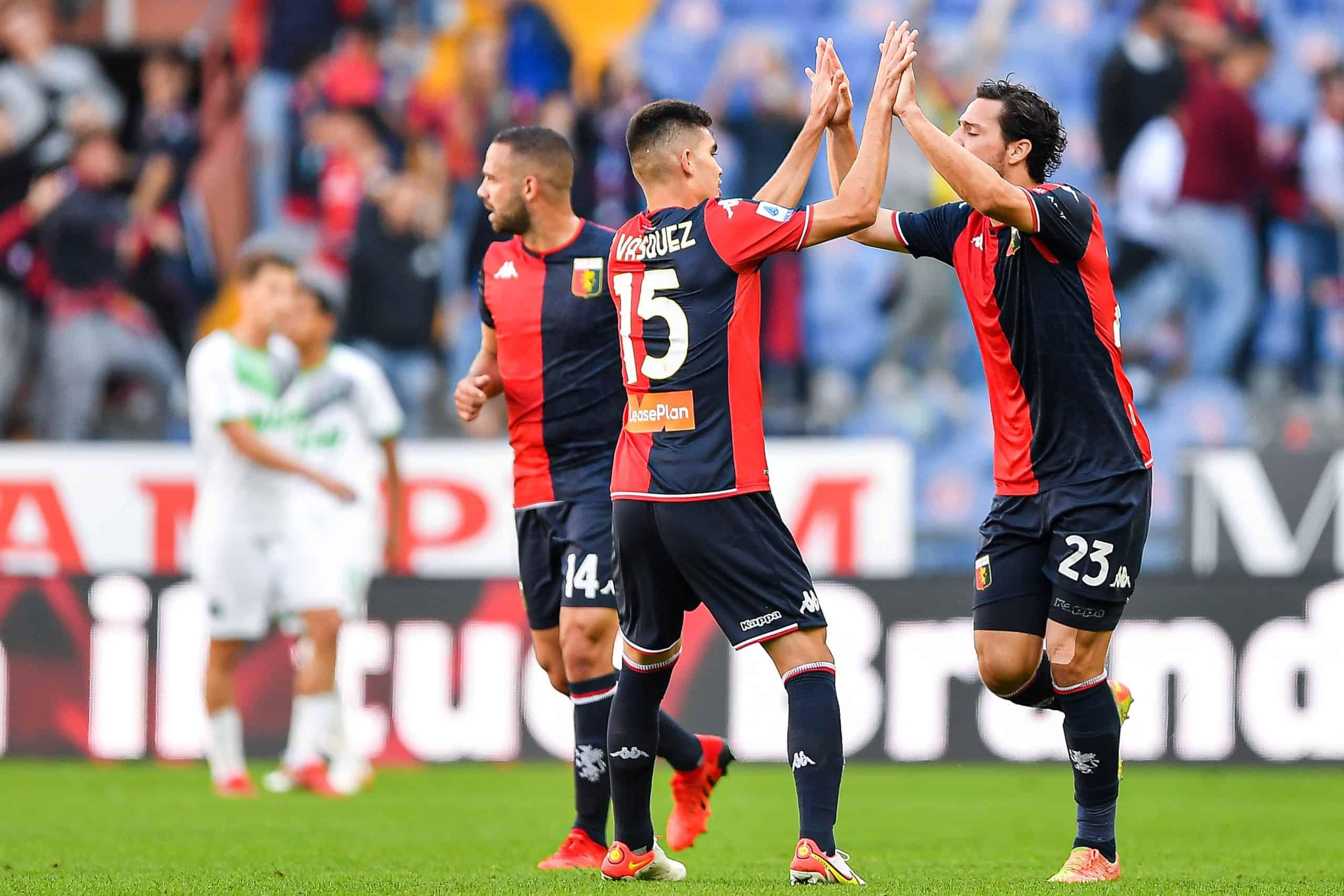 Johan Vásquez sorprende en su debut con el Genoa.
